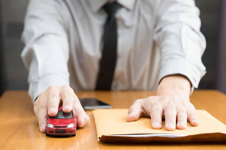 dokumenty i samochód